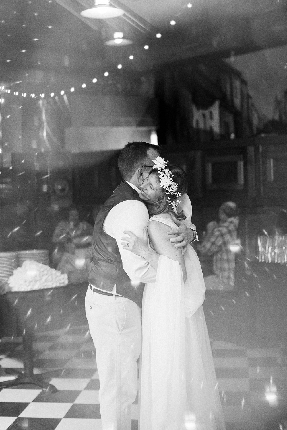 bride and groom's first dance at humble pie reception