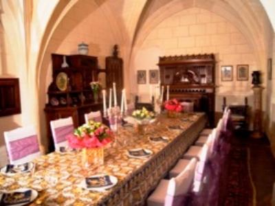 chapel-dining--f.jpg