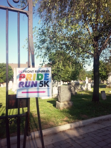 6:13 pm, The race started at the Historical Congressional Cemetery, which I had never been to before.  It was a beautiful burial ground, and I found out later that it also serves as an important site of honor for gay servicemembers.