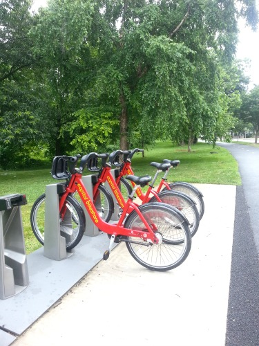 7:56 am, We decided to meet at 8am in Shirlington.  Since my bike is heavy and not at it's best, I decided to take advantage of my membership with Capital Bikeshare.  The first 30 minutes of any trip are free...remember that and trade out accordingly.