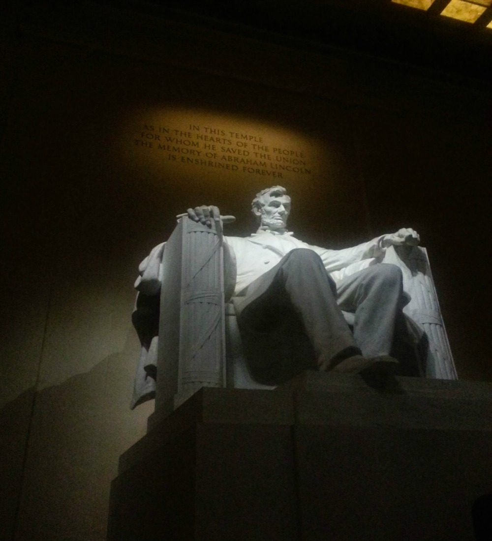 10:08 pm, Mr. Abe, in all his 99ft of glory.