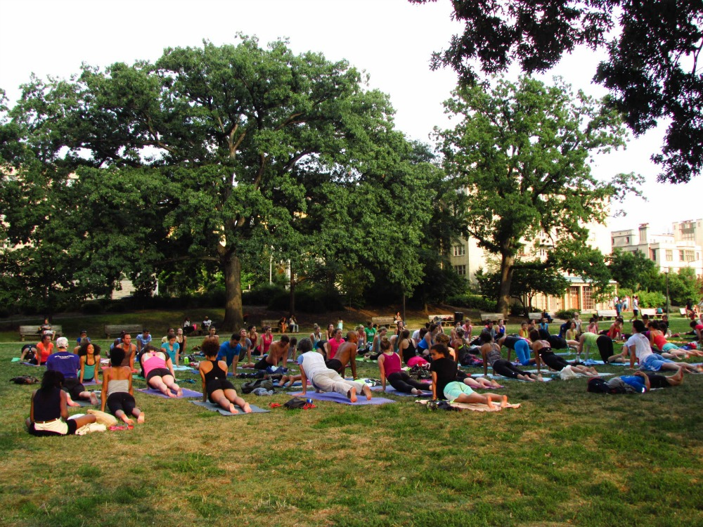 There was lots of yoga being done in the park too.