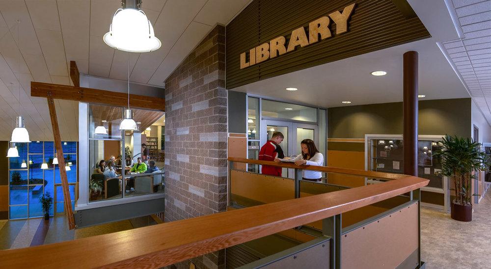 Timberline_High_School_Library.jpg
