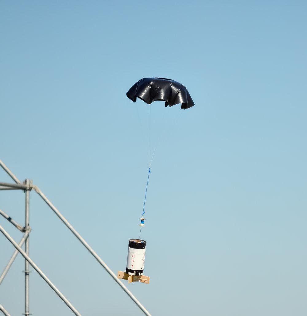 Nice parachute! / Класний парашут!