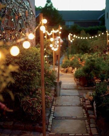 Lighted pathway {wayfinding}