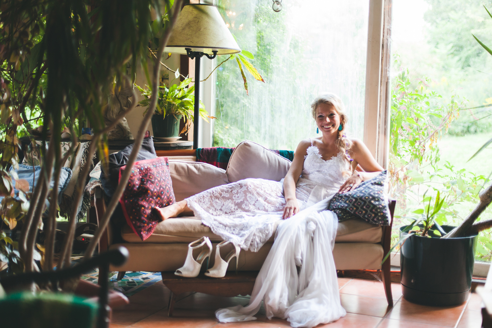 Bride-relaxing-on-her-wedding-day