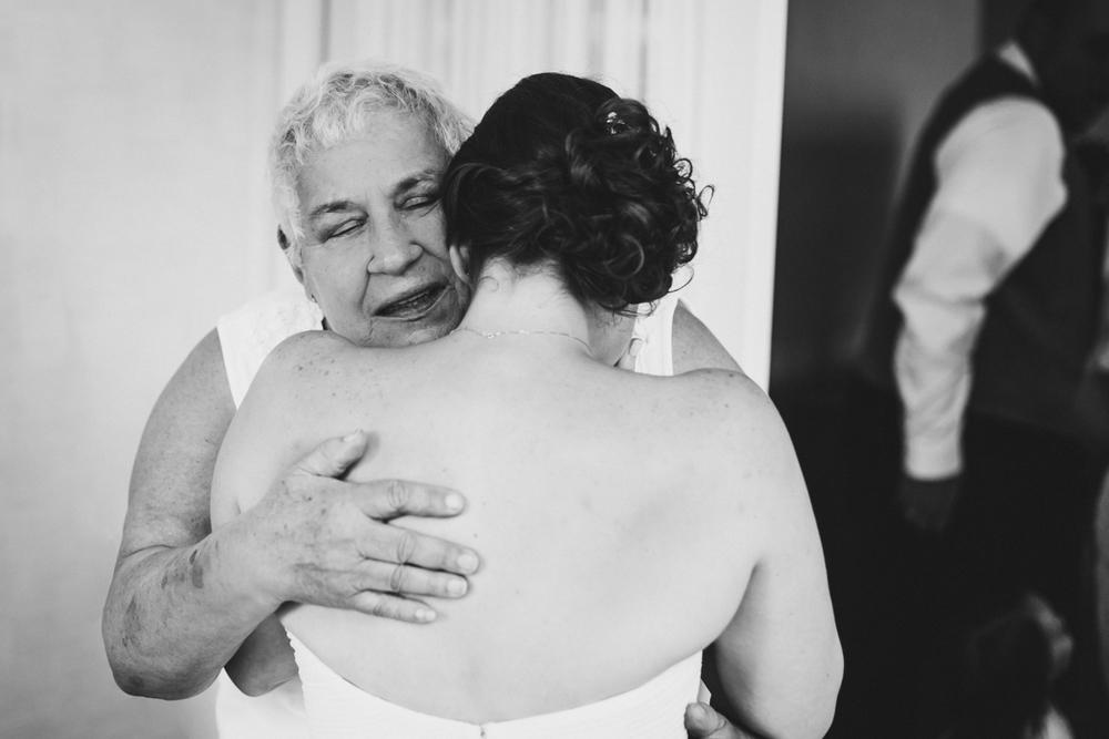Fornino-Pier-6-Brooklyn-Documentary-Wedding-Photography-Brooklyn-Bridge-Park-Dumbo-13.jpg