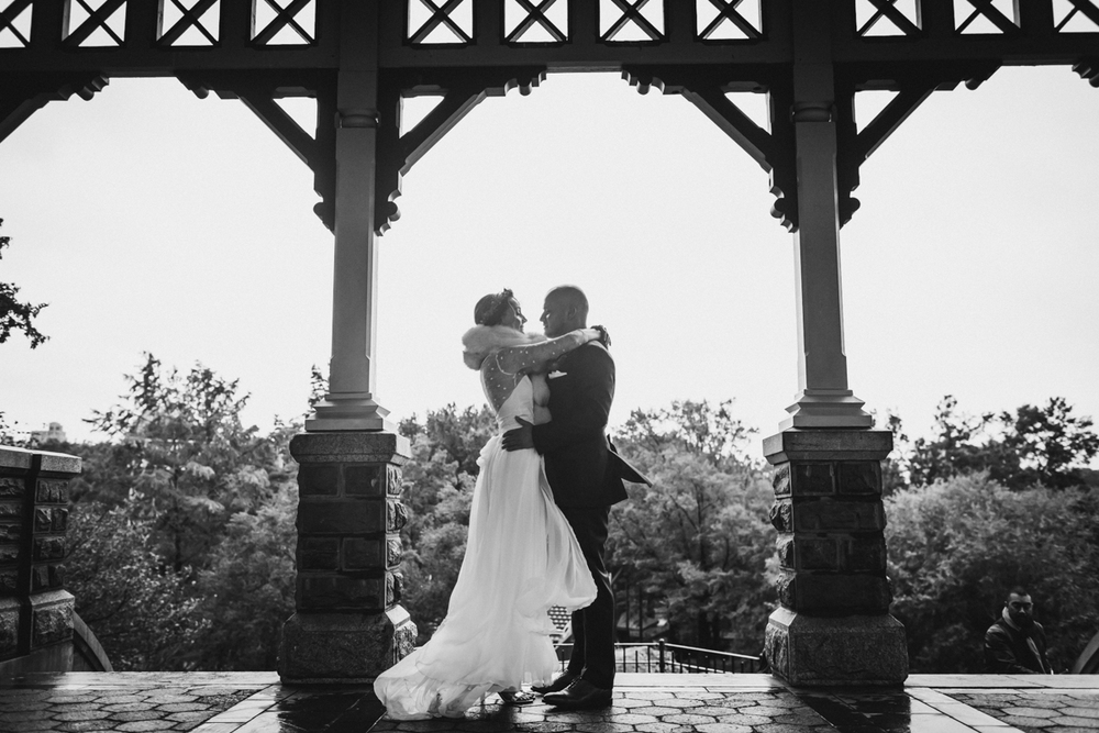 Wythe-Hotel-Wedding-Central-Park-Shakespeare-Garden-Documentary-Fine-Art-Photography-Elvira-Kalviste-67.jpg