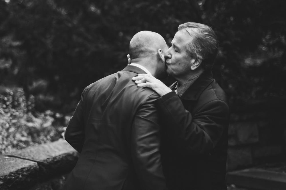 Wythe-Hotel-Wedding-Central-Park-Shakespeare-Garden-Documentary-Fine-Art-Photography-Elvira-Kalviste-100.jpg