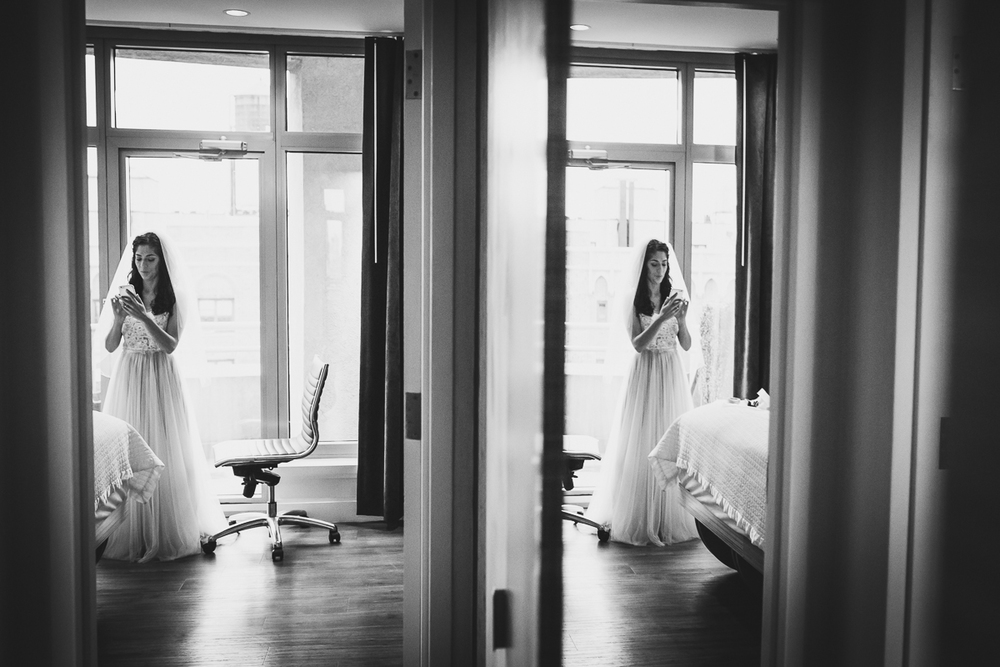 Isabellas-Restaurant-Intimate-Wedding-New-York-City-Documentary-Photography-4.jpg