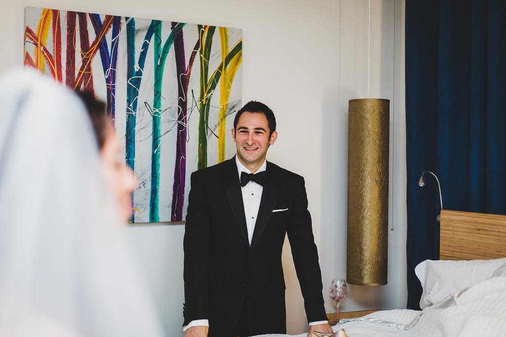 Isabellas-Restaurant-Intimate-Wedding-New-York-City-Documentary-Photography-5.jpg