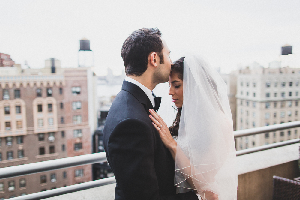 Isabellas-Restaurant-Intimate-Wedding-New-York-City-Documentary-Photography-8.jpg