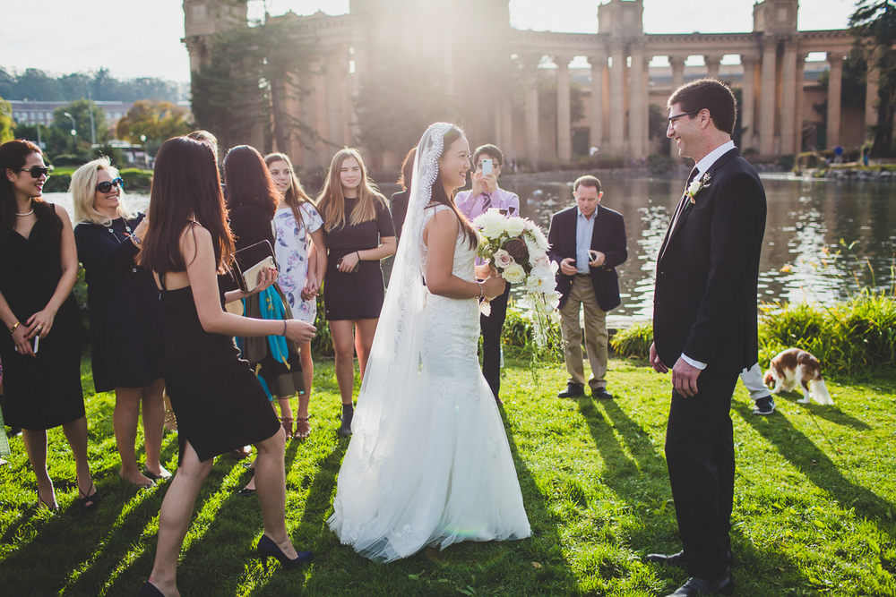 San-Francisco-Palace-of-fine-art-documentary-wedding-photographer-destination-wedding-30.jpg