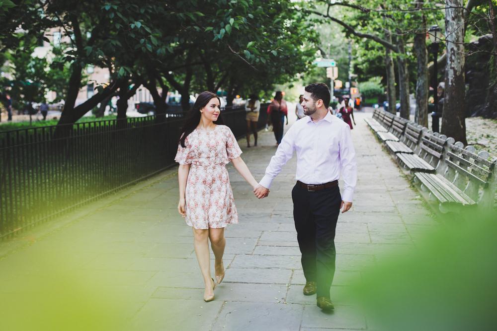 New-York-Manhattan-The-Carl-Schurz-Park-Engagement-Photos-NYC-Wedding-Photography-6.jpg