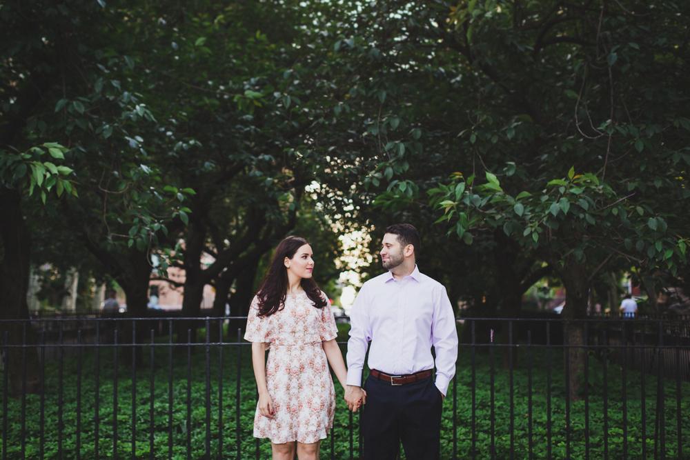 New-York-Manhattan-The-Carl-Schurz-Park-Engagement-Photos-NYC-Wedding-Photography-8.jpg