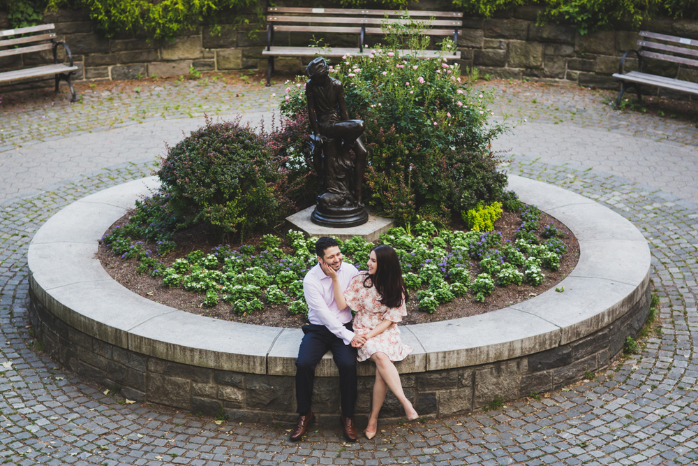 New-York-Manhattan-The-Carl-Schurz-Park-Engagement-Photos-NYC-Wedding-Photography-12.jpg