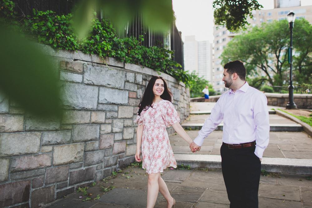 New-York-Manhattan-The-Carl-Schurz-Park-Engagement-Photos-NYC-Wedding-Photography-19.jpg