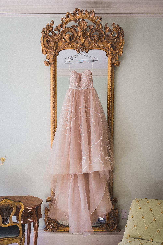 Ventfort-Hall-Lenox-Massachusetts-Documentary-Wedding-Photographer-1.jpg