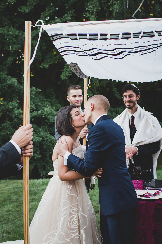 Ventfort-Hall-Lenox-Massachusetts-Documentary-Wedding-Photographer-30.jpg