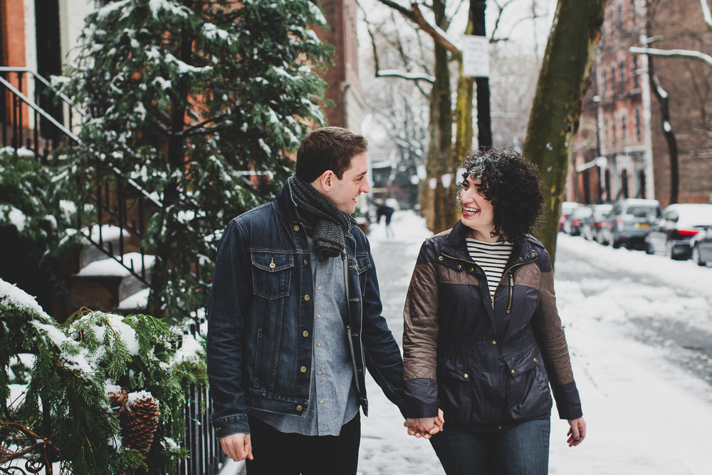 Winter-Snow-Brooklyn-Heights-Lifestyle-Documentary-Engagement-Photos-21.jpg