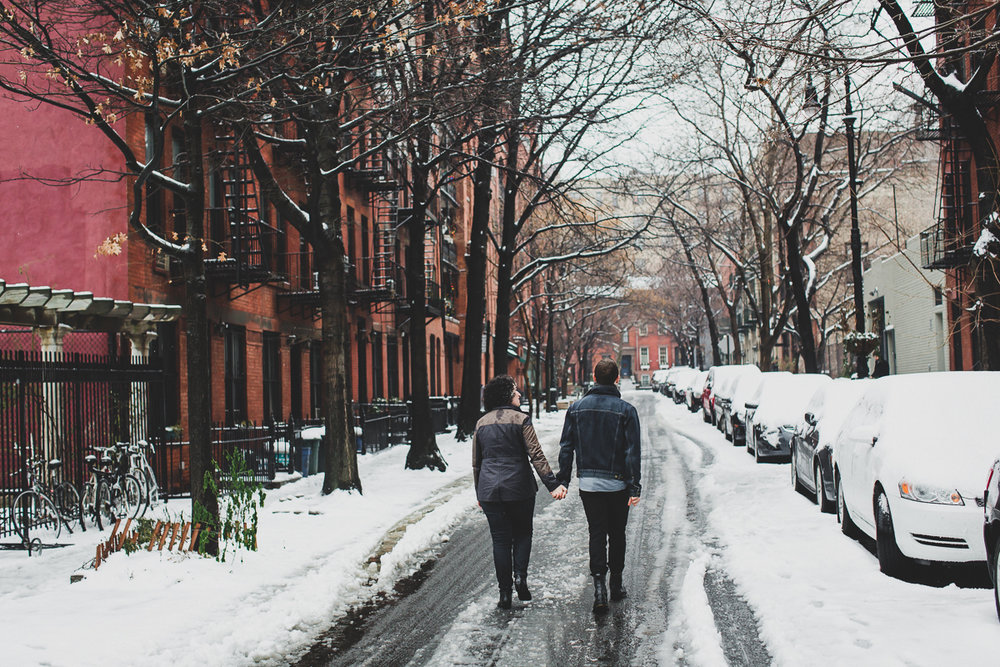 Winter-Snow-Brooklyn-Heights-Lifestyle-Documentary-Engagement-Photos-26.jpg
