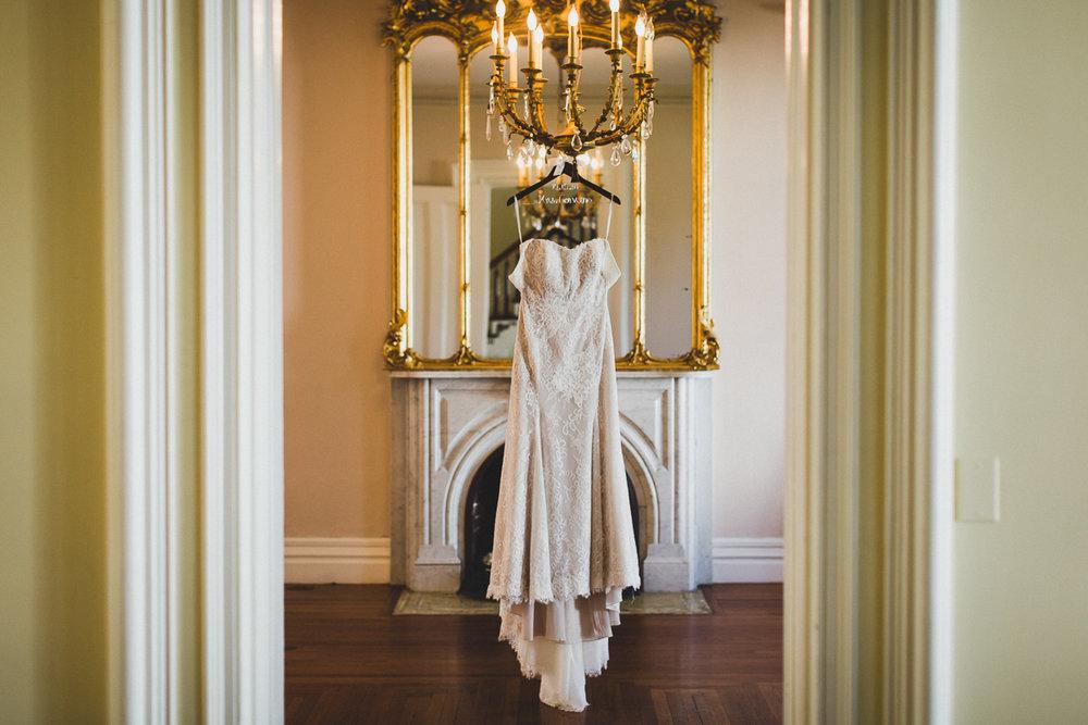 Brecknock-Hall-Greenport-Long-Island-Documentary-Wedding-Photographer-Elvira-Kalviste-1.jpg