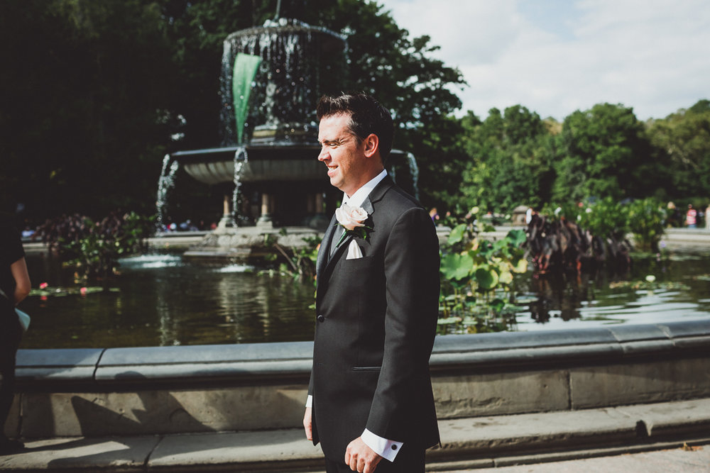 New-York-Central-Park-Loebs-Boat-House-NYC-Documentary-Wedding-Photographer-10.jpg