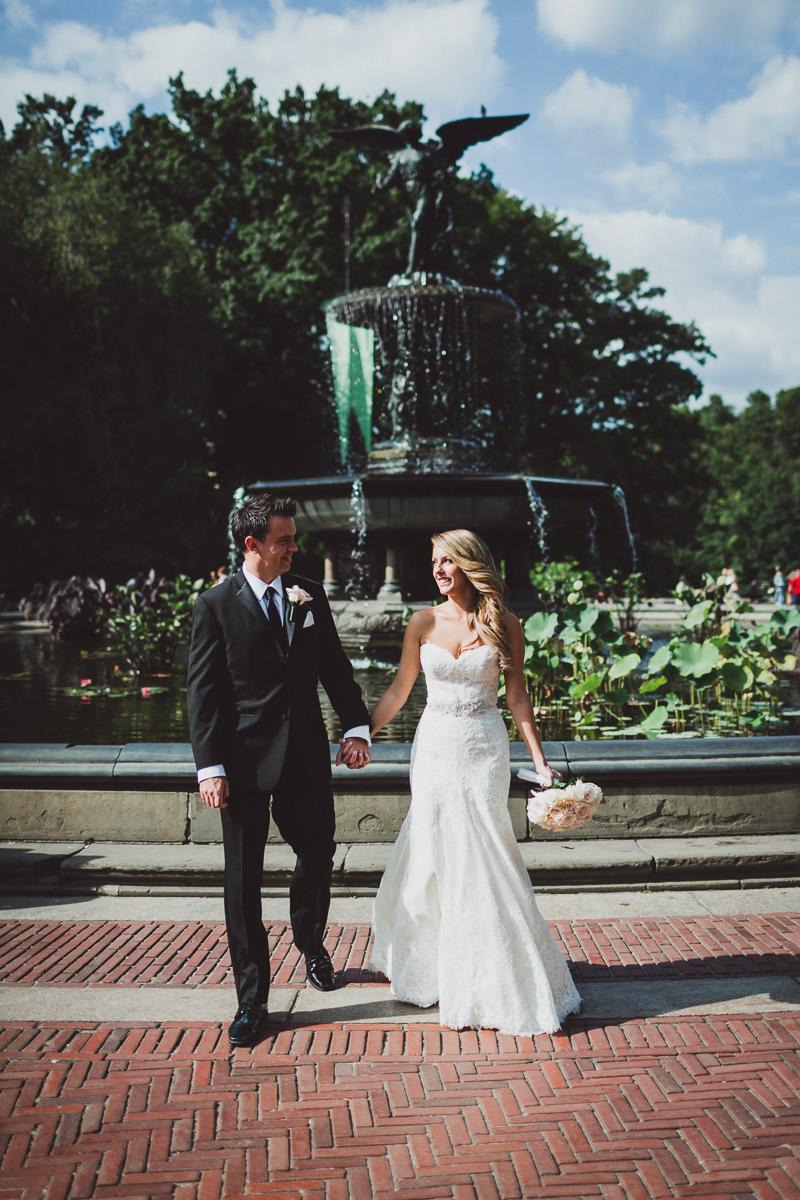 New-York-Central-Park-Loebs-Boat-House-NYC-Documentary-Wedding-Photographer-14.jpg
