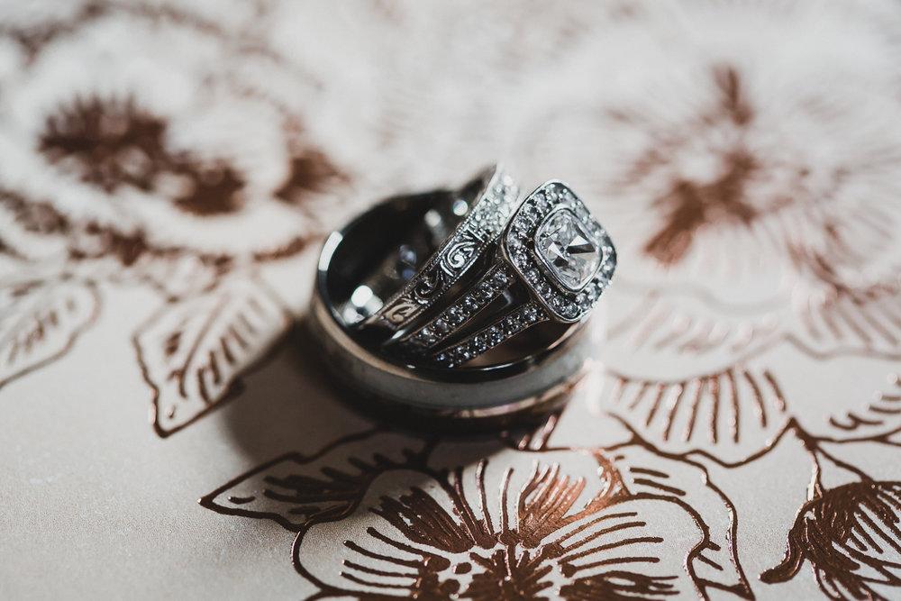 Jedediah-Hawkins-Inn-Documentary-Wedding-Photographer-Long-Island-7.jpg