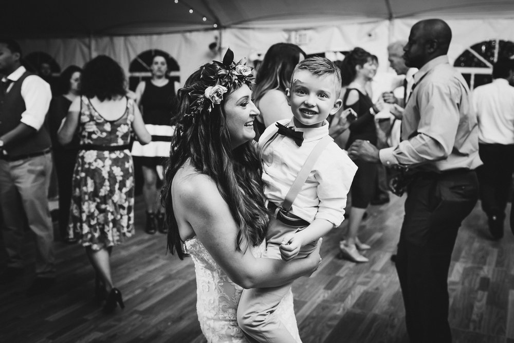 Jedediah-Hawkins-Inn-Documentary-Wedding-Photographer-Long-Island-110.jpg