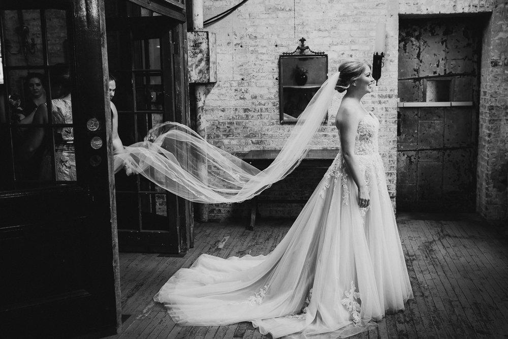 Metropolitan-Building-LIC-NYC-Fine-Art-Documentary-Wedding-Photographer-53.jpg