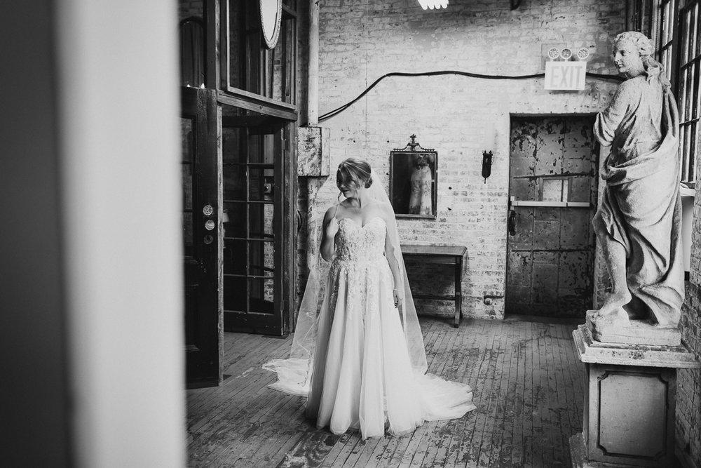 Metropolitan-Building-LIC-NYC-Fine-Art-Documentary-Wedding-Photographer-54.jpg