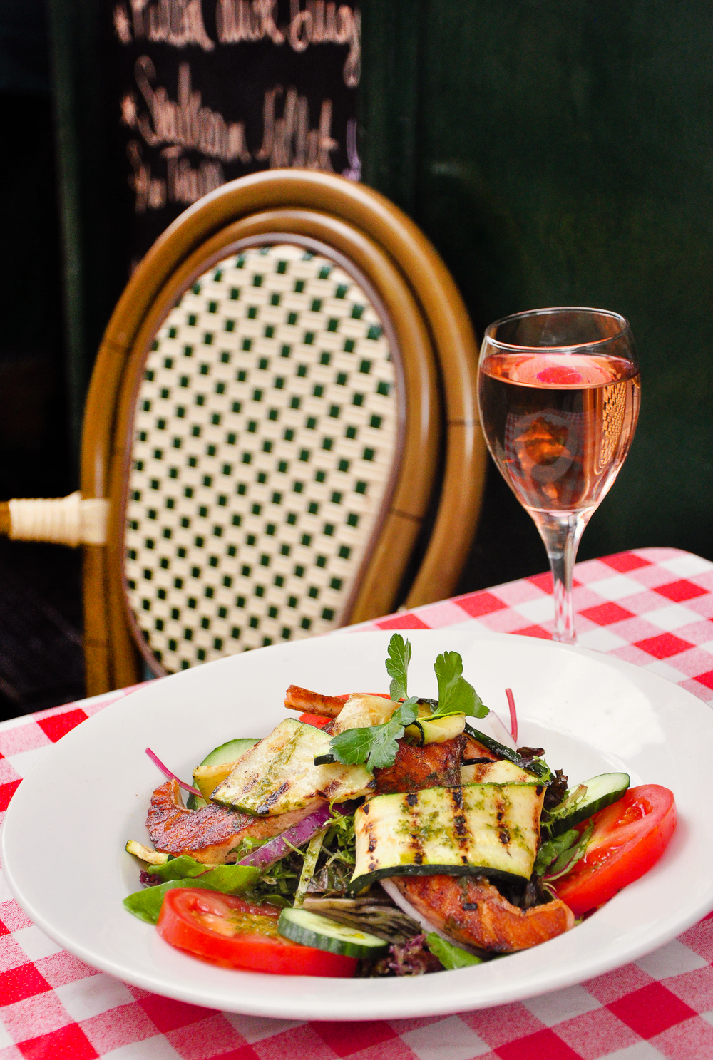 Special : Salmon and Zucchini Salad served with a glass of Rosé outside