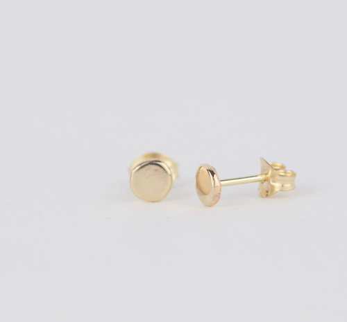 references gold flat earrings stud
