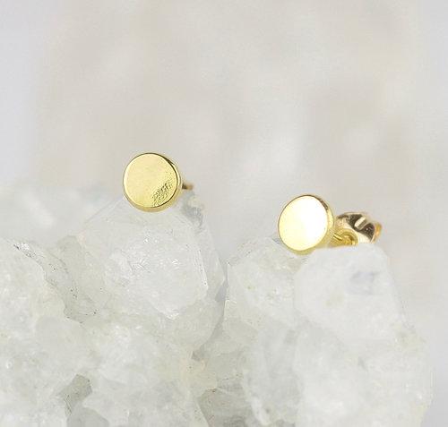 a46ada7e1 18ct yellow gold little flat stud earrings 2.jpg