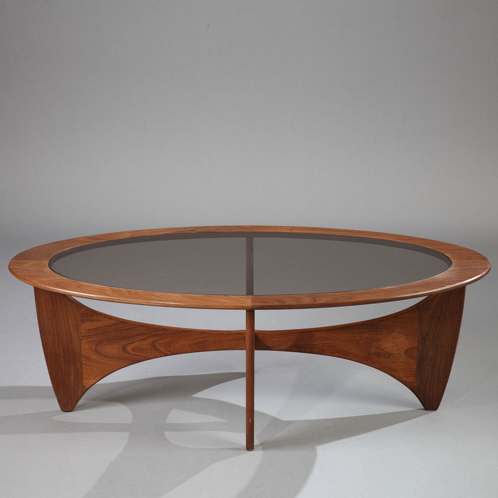 Table basse astro en teck et verre de victor wilkins for Table basse teck et verre