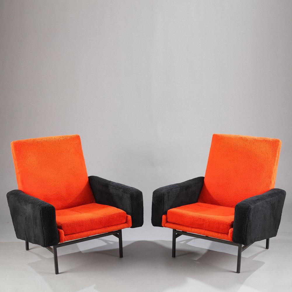paire de fauteuils a r p pour steiner meubles. Black Bedroom Furniture Sets. Home Design Ideas
