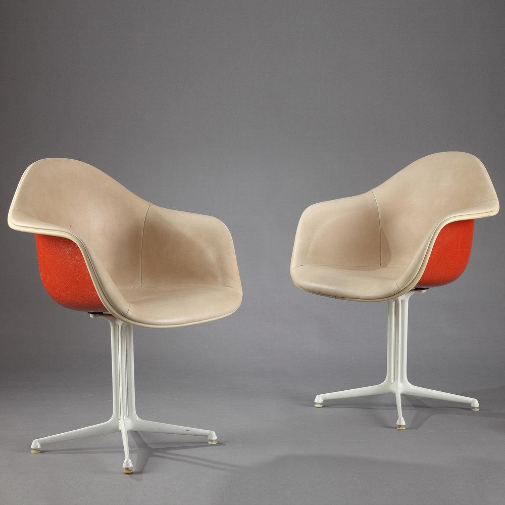 Rare paire de fauteuils la fonda de charles et ray eames meubles - Fauteuil ray et charles eames ...