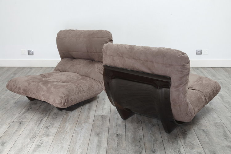 Paire de fauteuils Marsala en tissu alcantara, Michel Ducaroy pour ...