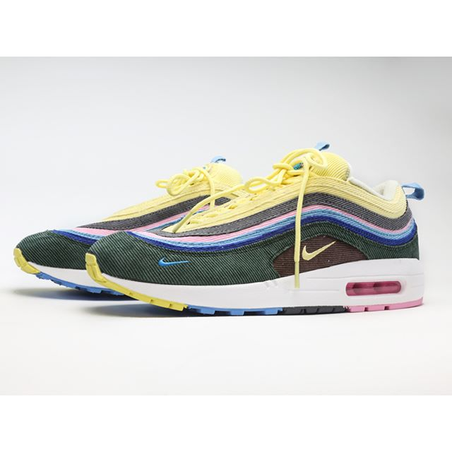 FAKEOUTS - AIR MAX SEAN WOTHERSPOON Burned by some eBay sh!t in the past, I discovered the world of fakey fake shoes from China. I was excited. Air Jordans. Off Whites. You name it. Some without a swoosh. Some probably made by itty bitty like slave labor kids. (Which I'm choosing to ignore even though yes yes I know it's kinda a big deal). So I found these Sean Wotherspoon knockoffs at DHGate for $55. Why not, right? They came about 3 weeks later, past customs, without a box. When I opened up the shoe-shaped package, I got  hit with a smell of paint and glue in my face. From 10 feet away these look like hot dog, the real thing - but up close, you can see the errors. Poor cushioning for the foot smushining, irregular stitching, like no support on the toe, and low quality materials. But darn they gots the air pockets so ya know, still full of that air from the Shenzhen factory floor. I showed these to a purchaser of real deal SWs and he said the corduroy faces the wrong direction. Guess they didn't think of everything.