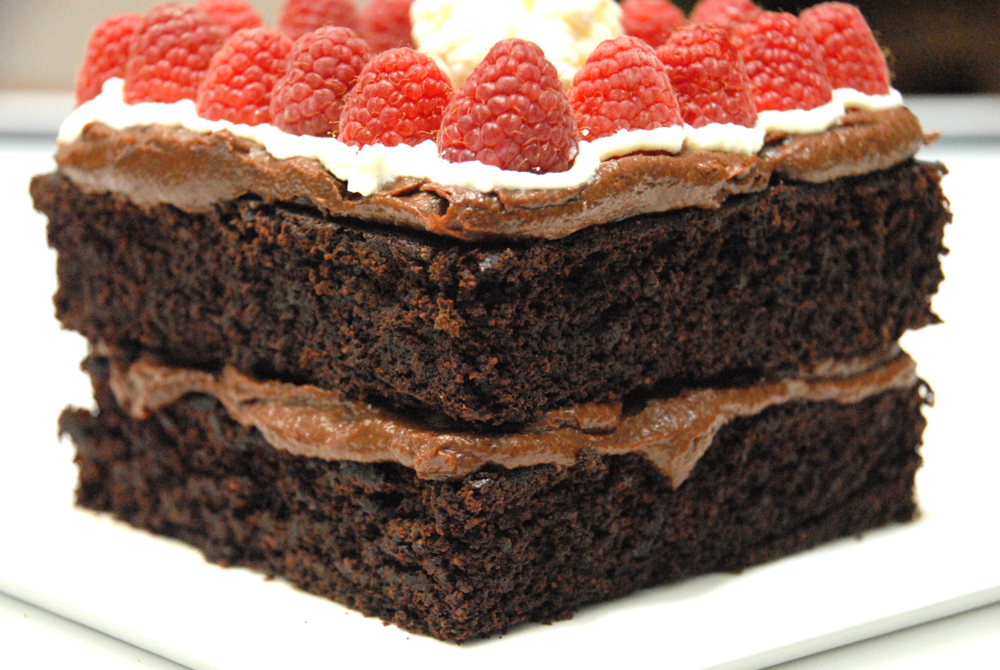 Chocolate torte with Forte chocolate fruit spread frosting