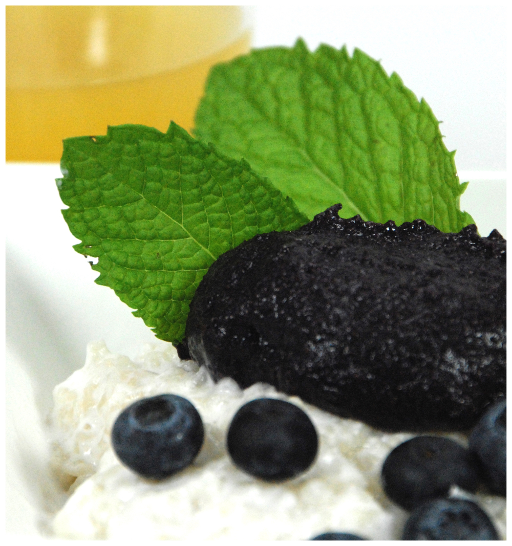 Rice pudding with Blueberry date spread