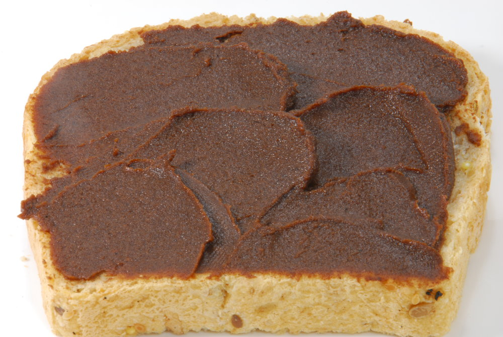 toast with Forte chocolate fruit spread