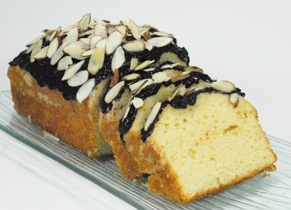pound cake with Forte chocolate fruit spread