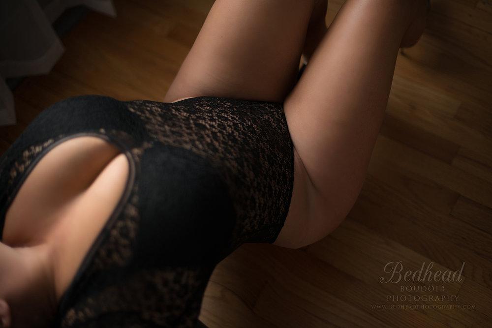 black_lace_bodysuit_bedhead_boudoir_photography_chicago