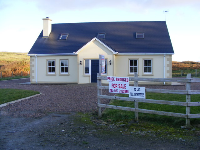House_for_sale_-_geograph.org.uk_-_1032583.jpg