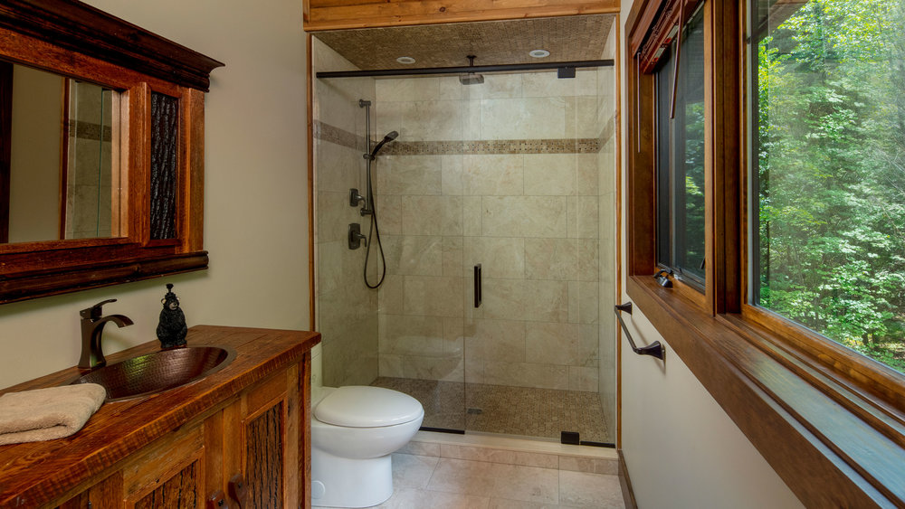 Bills_0006_Bathroom 2.jpg