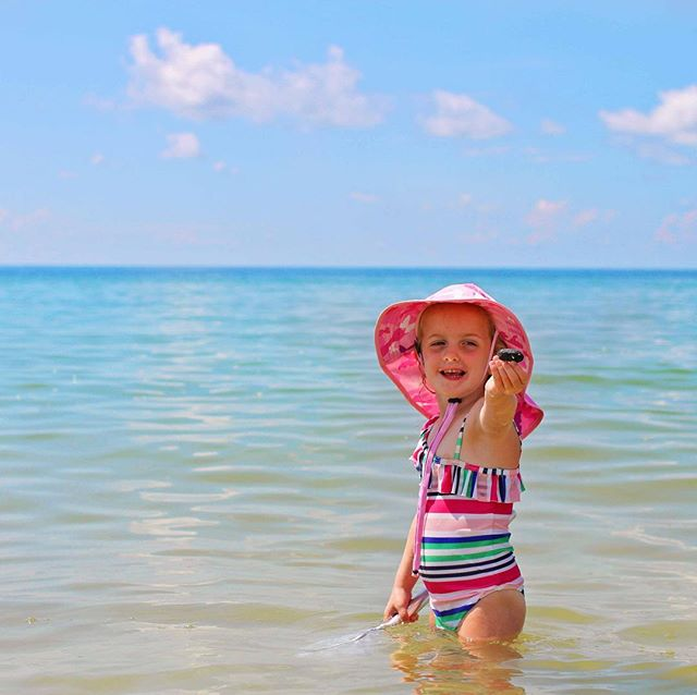 Spring Break planning underway?  Don't forget to pack the sun hats.  Our noggins are on SALE with FREE Shipping.  Photo: @runwild.mychild ⠀ #springbreak #getoutandplay #wewillbeinmoab