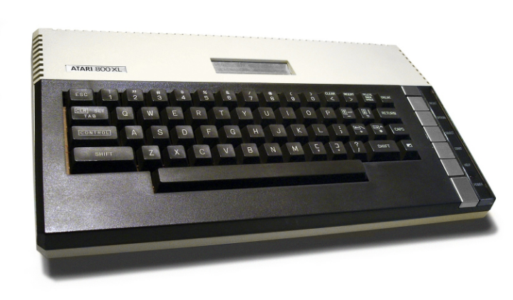 Atari_800XL_Plain_White.jpg