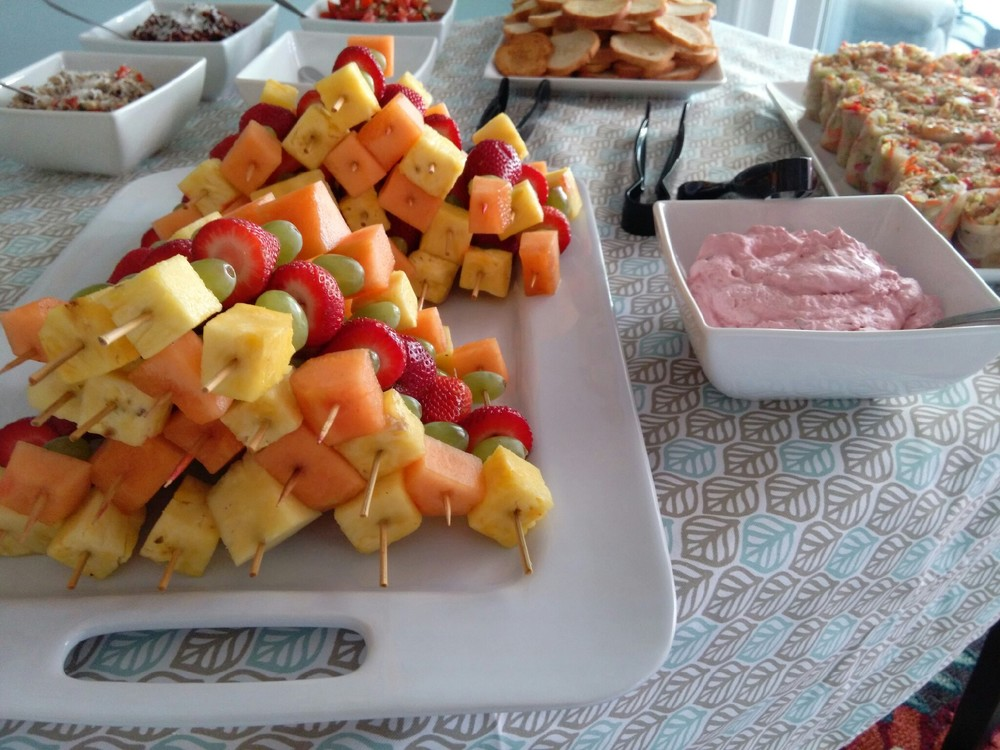 Fresh Fruit w/ Raspberry Dip